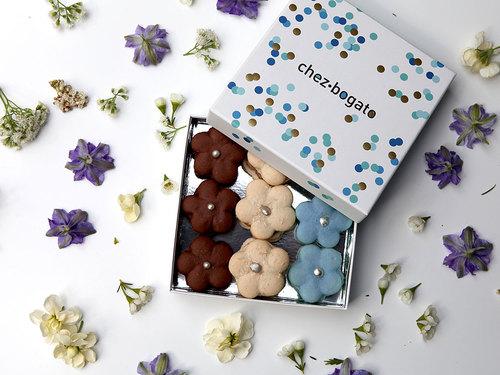 macarons-boite-bleu-chezbogato.jpg